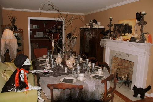 Halloween Dining Room Tablescape skeleton
