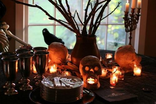 Halloween Tablescape Decor skulls
