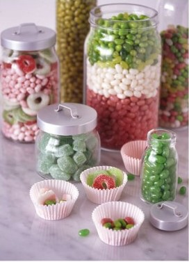 Christmas Candy in Jars via digsdigs