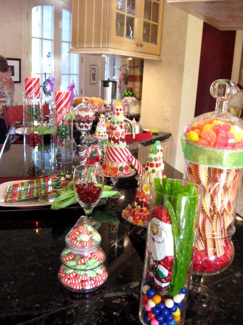 christmas candy displayed via southernhospitalityblog
