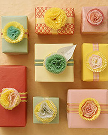 cupcake paper bows for wrapping