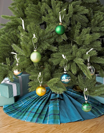 Country Tree Skirt 53