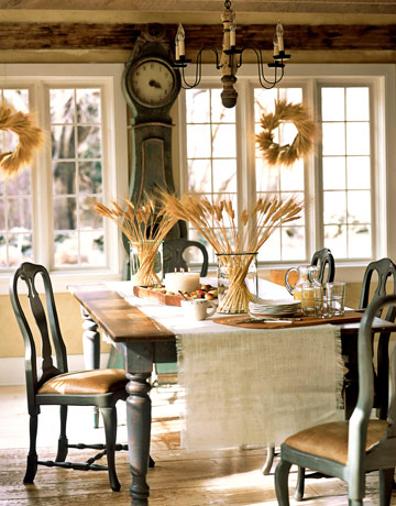 Gustavian style the decorologist for Vintage style dining room ideas