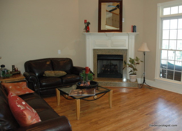 How to arrange furniture in a room with a corner fireplace for Tv room arrangements
