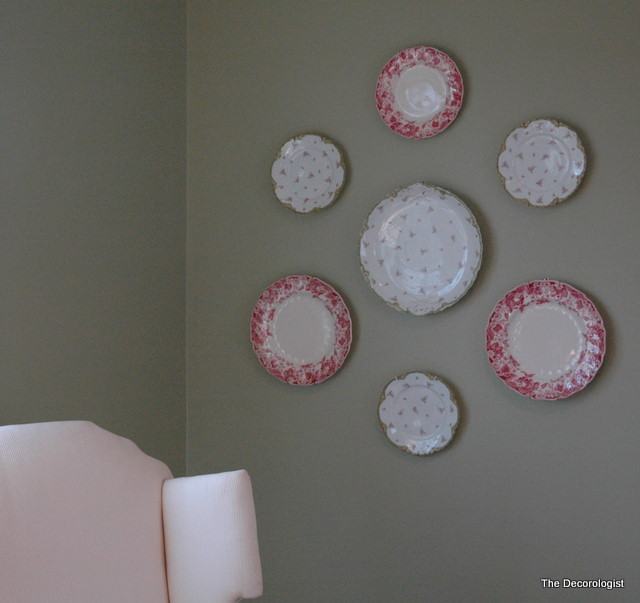 hanging plates and grouping