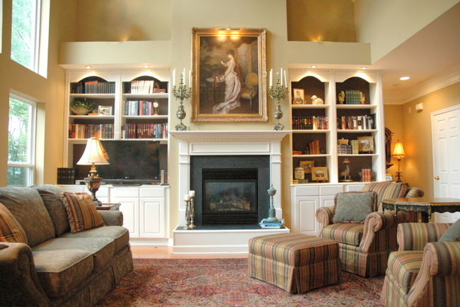 Balancing your living room furniture arrangement the for Living room fireplace tv arrange