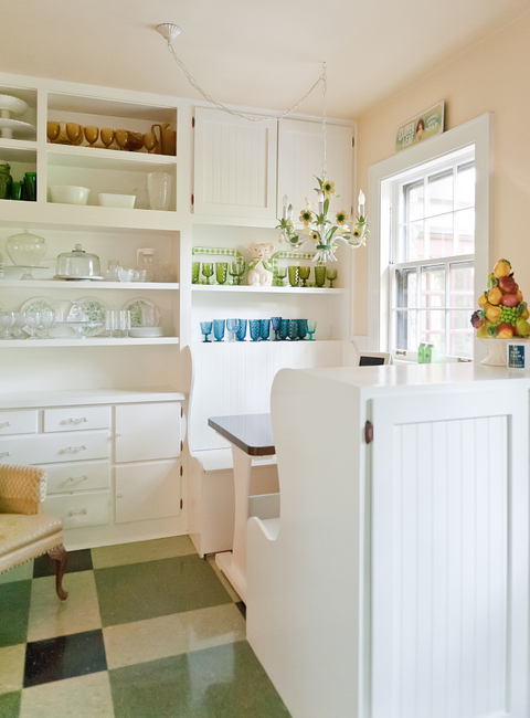 The Decorologist's vintage kitchen