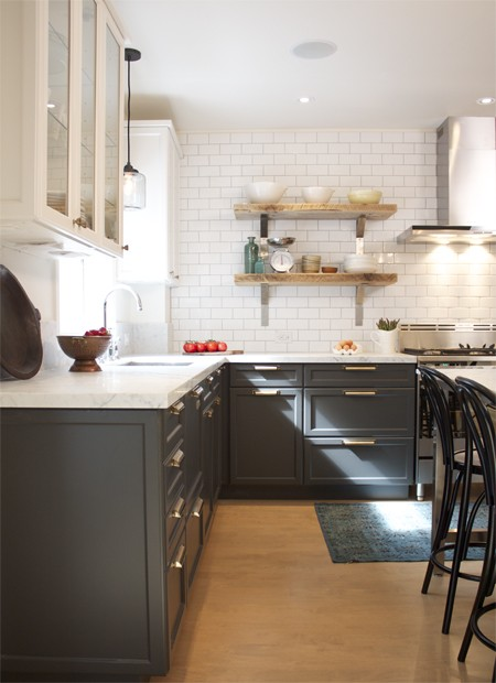 black lower kitchen cabinets