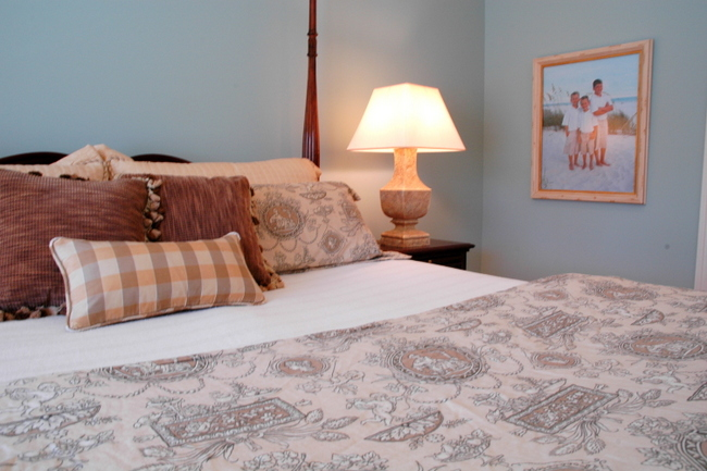 How To Make Your Bed Like A Luxury Hotel The Decorologist
