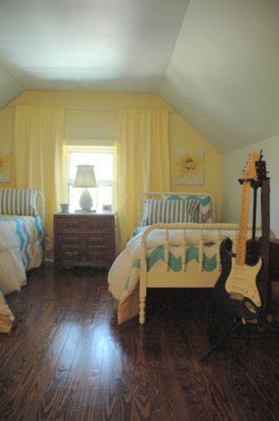 benjamin moore gray owl and hawthorne yellow
