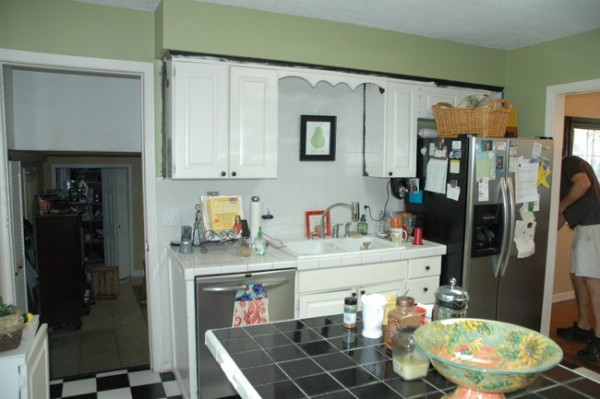 Kitchen Cabinets Two Colors can you paint kitchen cabinets two colors in a small kitchen