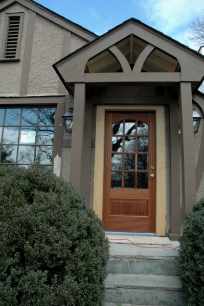 Tudor lite exterior paint colors the decorologist for Lightweight stucco