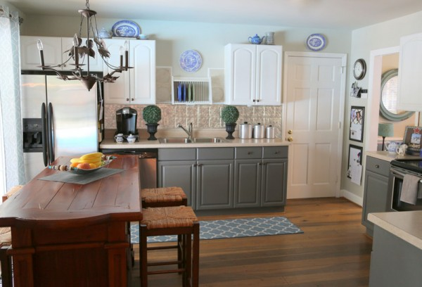 2 tone painted kitchen cabinets how two tone cabinets can update your kitchen the 10114