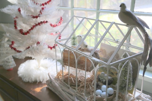 christmas decorating with birds