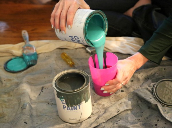 mixing Annie Sloan Paint