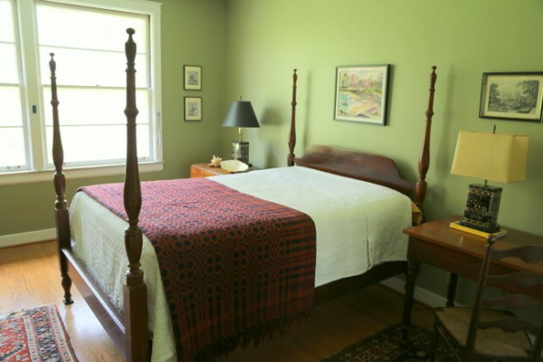green antique bedroom