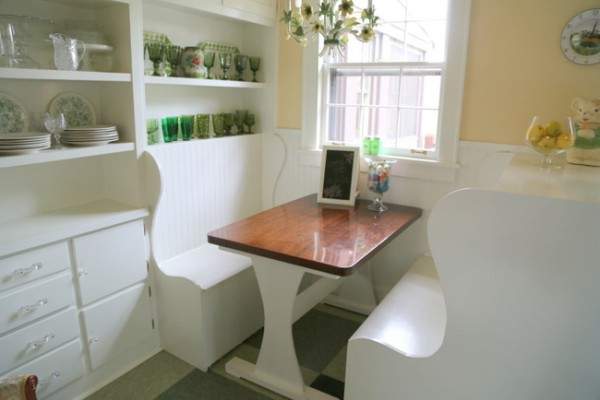 breakfast nook banquette