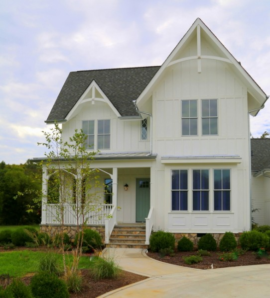 Exterior paint colors painting the body and trim the - White exterior paint color schemes ...