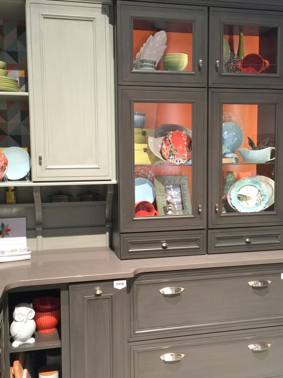 mixing colors in kitchen cabinets