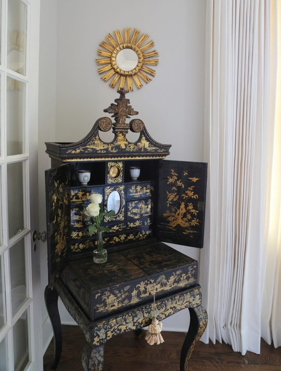 chinoiserie cabinet
