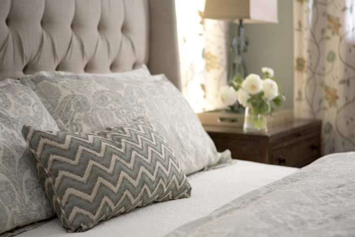 linen tufted headboard