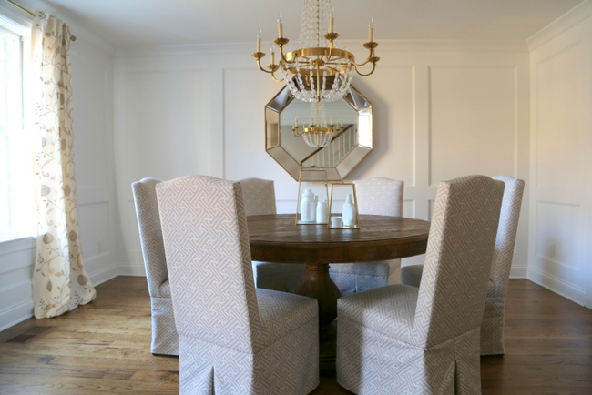 round dining table in square dining room