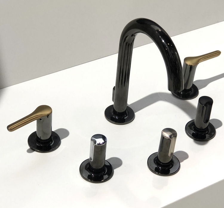 American Standard modern bathroom faucets in black with metallic accents from 2018 KBIS