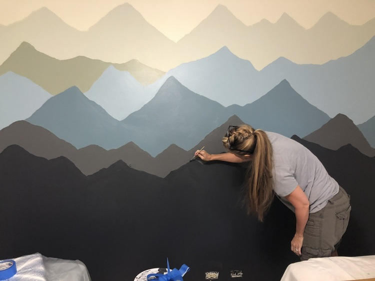 how to paint a mountain range on a wall