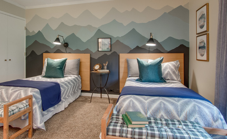 woodsy outdoor mountain themed bedroom