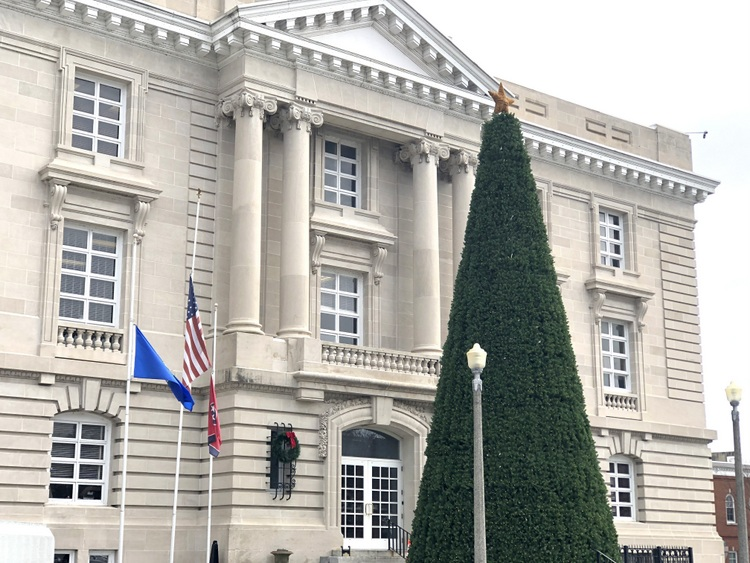 Columbia, TN courthouse, photo by Kristie Barnett