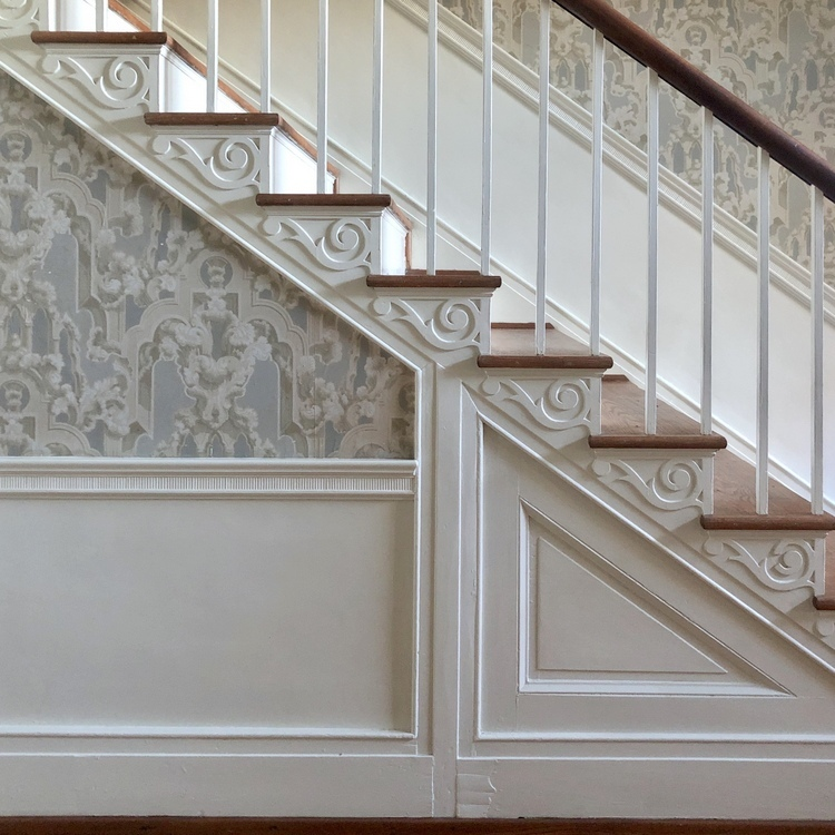 federal style staircase